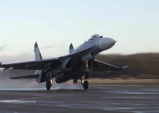 Су-27 подняли на перехват шведского самолета-разведчика