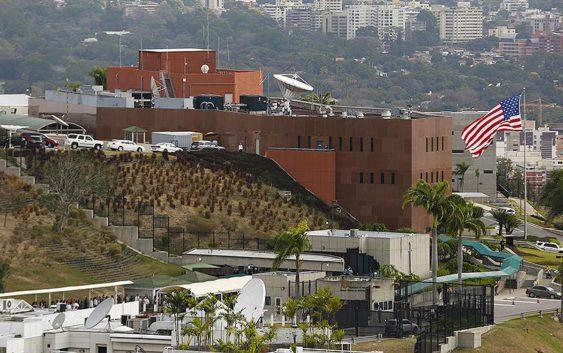 2015-03-04T120000Z_99809126_GM1EB341U3901_RTRMADP_3_VENEZUELA-USA-VISAS
