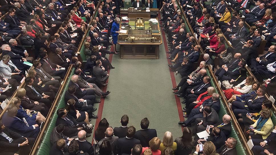 Британский парламент проголосовал против «Брексита» без сделки