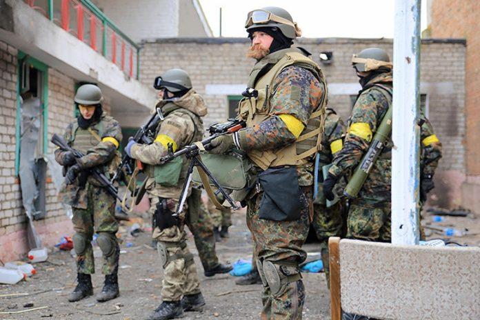 Bellingcat: Боевики «Азова»* при помощи США создают международную нацистскую группировку