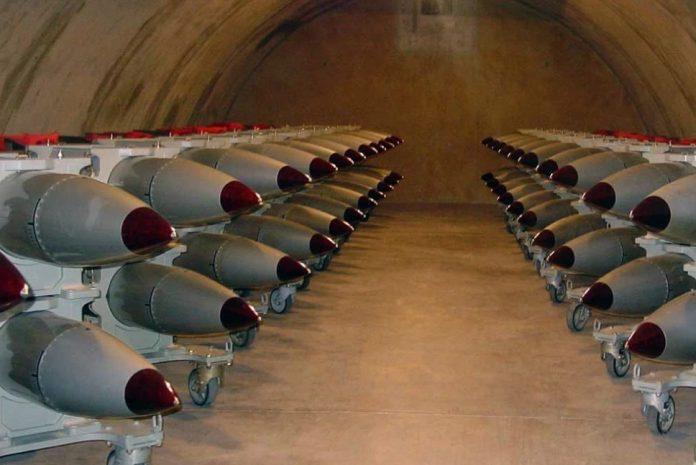 США тайно разместили на авиабазе в Германии 20 ядерных бомб
