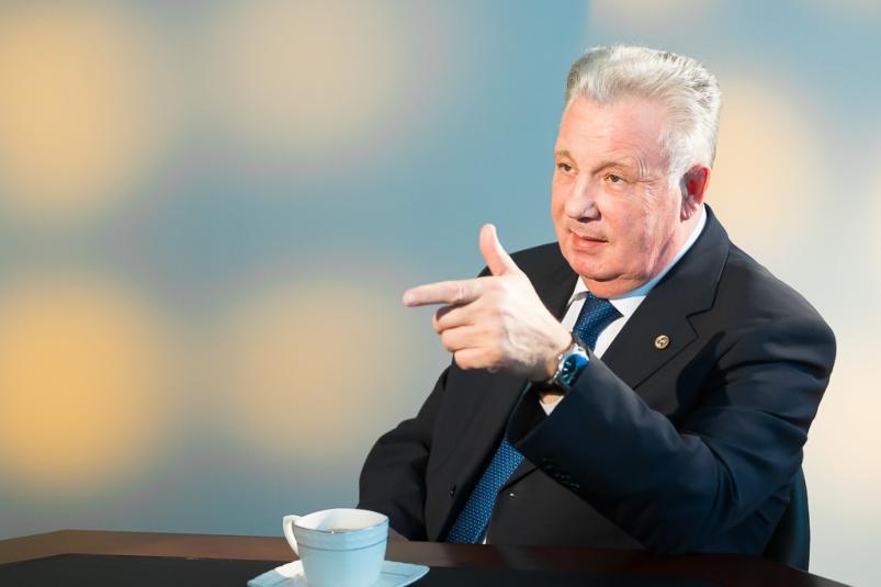 Бывший губернатор Хабаровского края подозревается в особо крупном мошенничестве