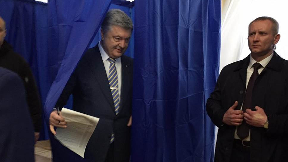 Экзит полы: Зеленский и Порошенко выходят во второй тур