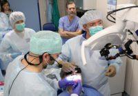 Попробовать на зуб: протез челюсти имплантировали за четыре часа