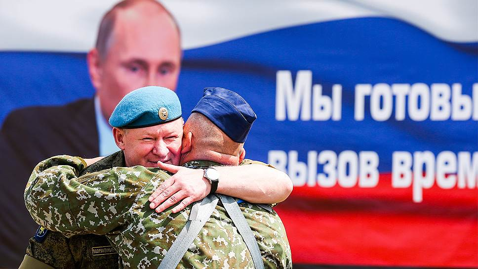 Российскую группировку войск в Сирии возглавил генерал Сердюков