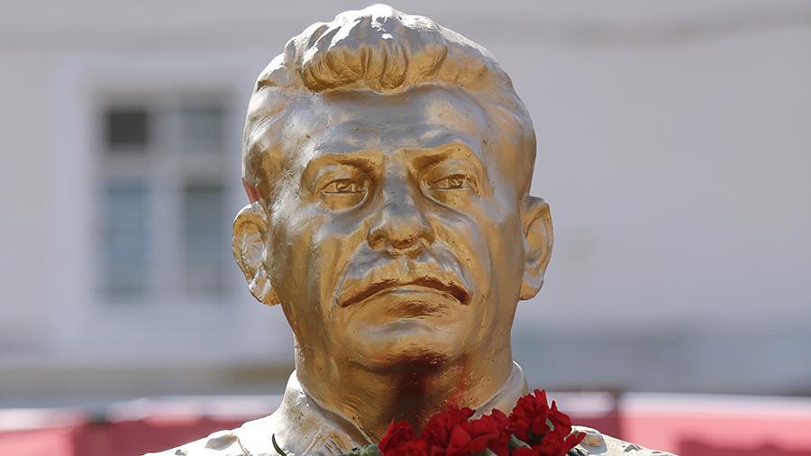 В Воронеже из-за юбилея Сталина не поделили Дом актера