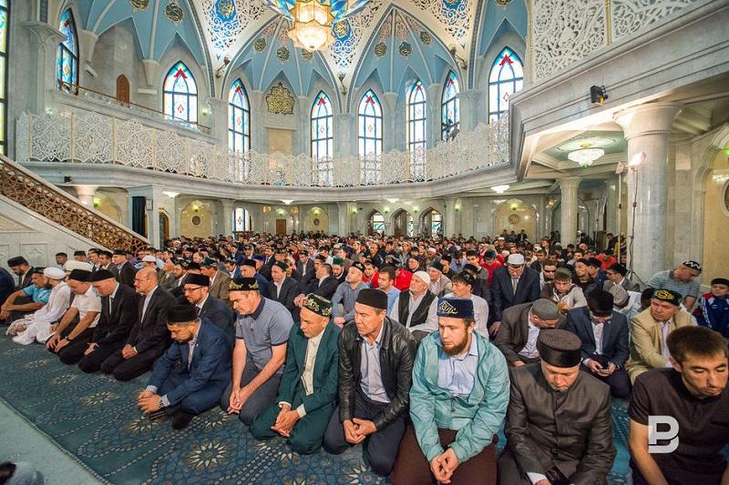 Мусульмане всего мира отмечают священный праздник Ураза-байрам
