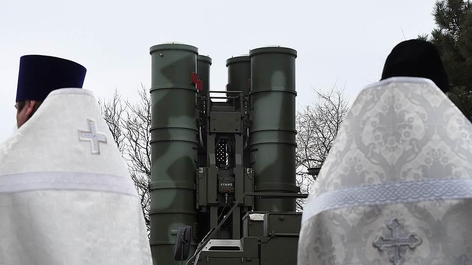 В РПЦ начали дискуссию о порядке освящения вооружений
