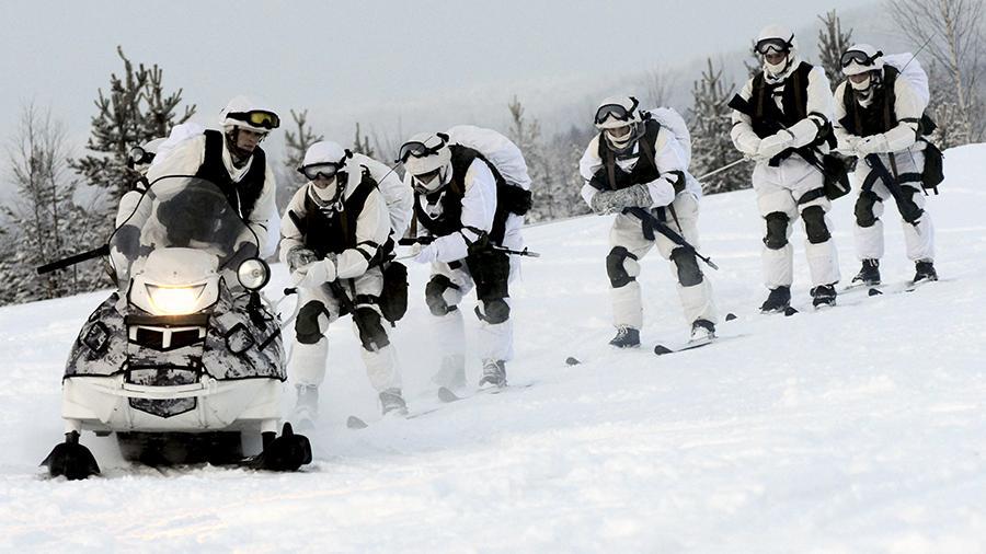 Защитить Арктику. ВМФ проведет специальные учения вдоль Севморпути