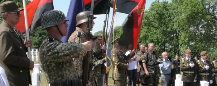 Зеленский возмутился воинскими почестями для дивизии СС