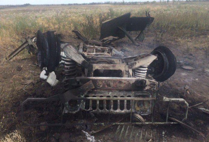 Подорвали своих же врачей: ВСУ в Донбассе уничтожили санитарную машину с медиками