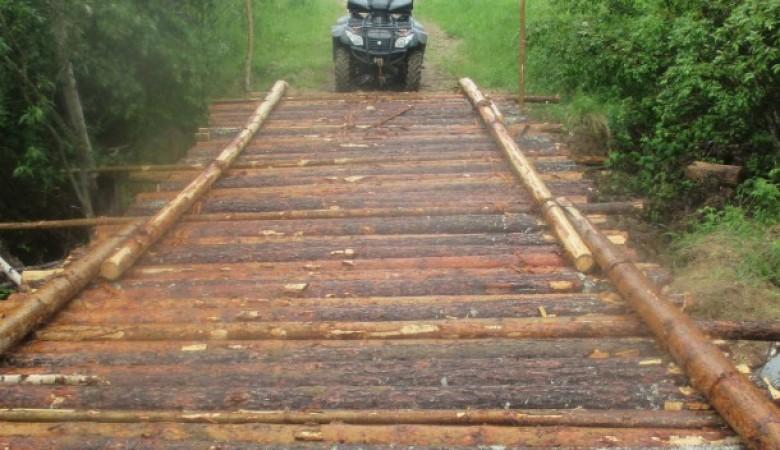 Жители деревни в Коми сами себе построили мост