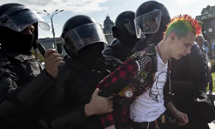 В Москве на митинге в поддержку оппозиции прошли массовые задержания