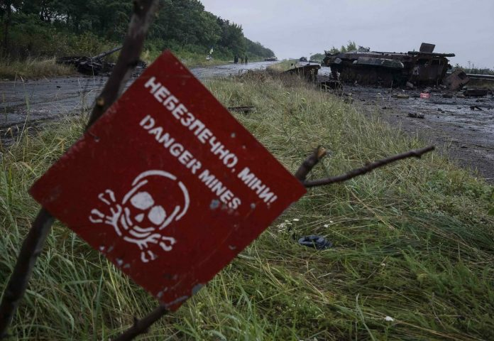 Украинские солдаты бросили в поле подорвавшихся на мине сослуживцев