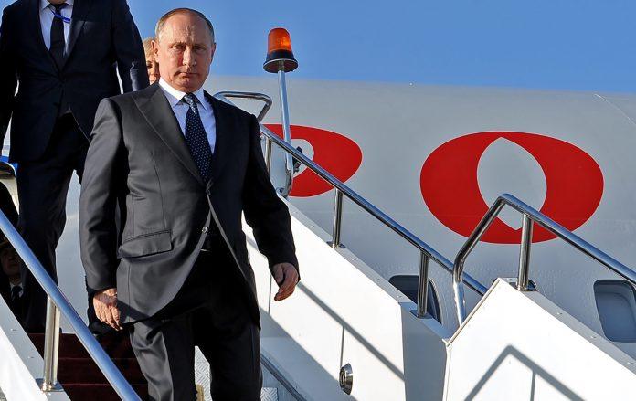 Путин прибыл с визитом во Францию