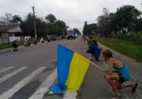 Под Житомиром местные жители встретили труп мертвого солдата ВСУ на коленях