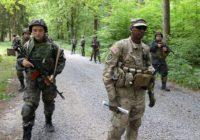 Американские наемники задержали и устроили допрос местному жителю в Донбассе