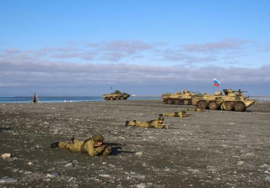 Морские пехотинцы Северного флота ликвидировали условных диверсантов в Арктике