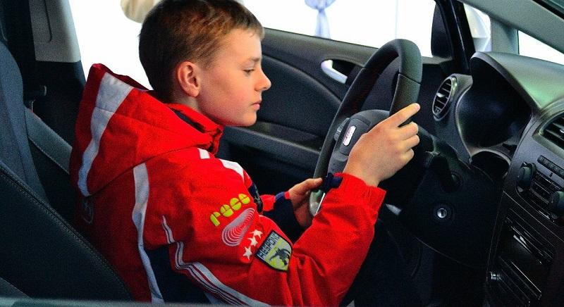 МВД предлагает разрешить школьникам управлять автомобилем