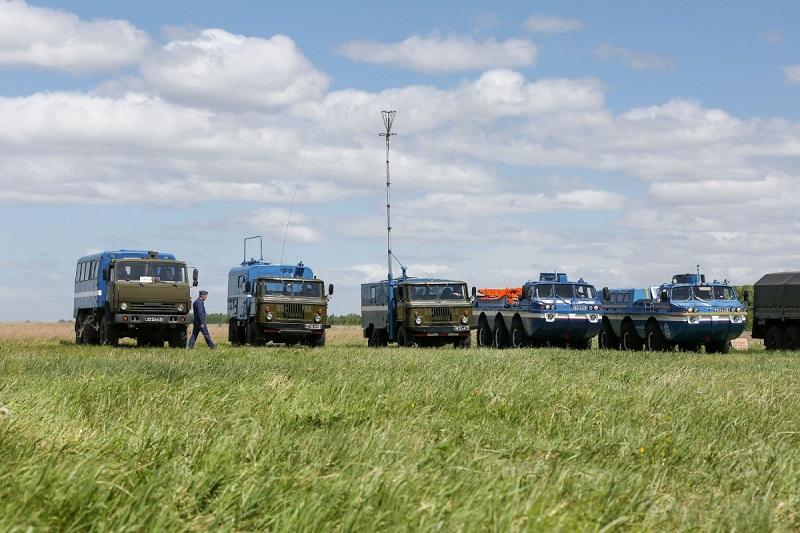 Спасатели ЦВО прилетели в Казахстан для встречи робота «Фёдора»