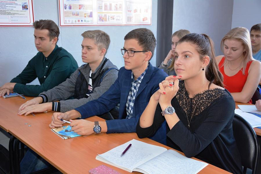 В Академии прошло заседание студенческого научного кружка «Уголовное право»