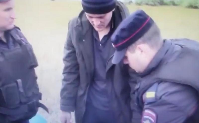 Жителя Алтая обвинили в убийстве женщины и двоих детей