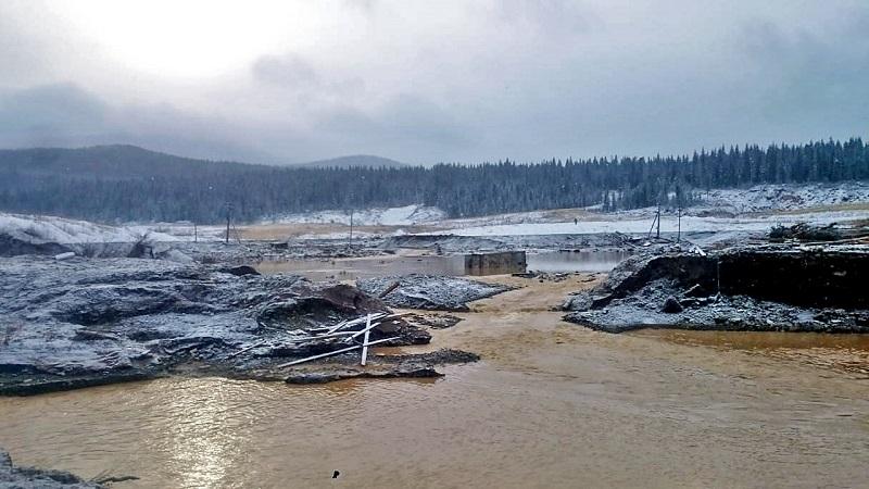 В Красноярском крае при прорыве дамбы погибли люди