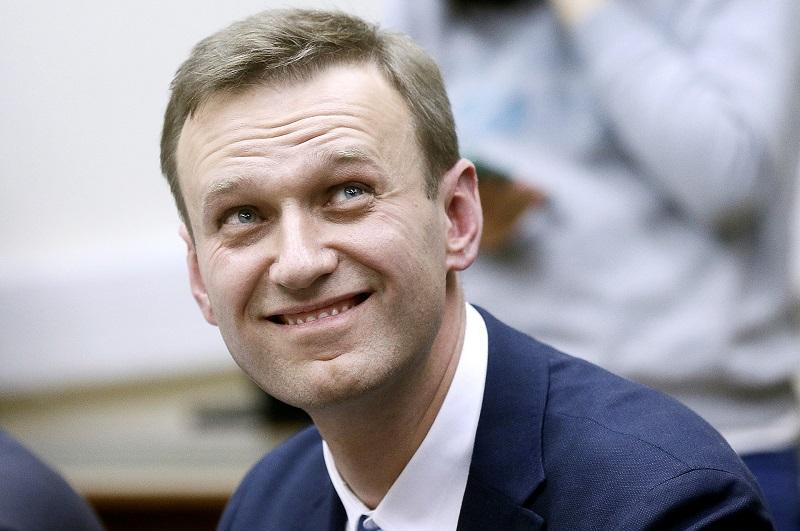 Суд рассмотрит иск Навального к Пескову