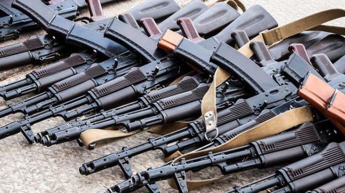 Украина начала отказываться от автомата Калашникова