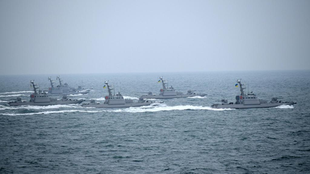 Украина купит 20 французских кораблей для конфликта с Россией