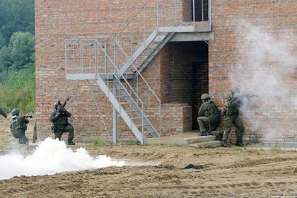 Украинскую армию решили научить штурмовать города и шахты