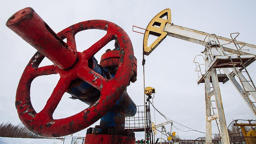 Нефть Brent упала в цене в три раза с начала года, Urals стоит $13 за баррель