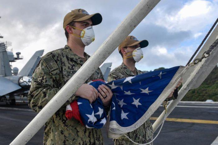 Коронавирус обратил американскую армию в панику