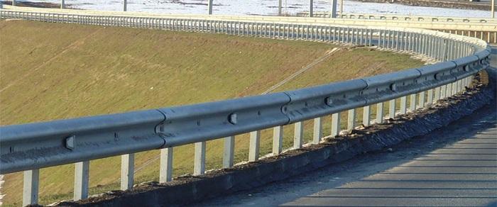 Какими бывают барьерные ограждения?