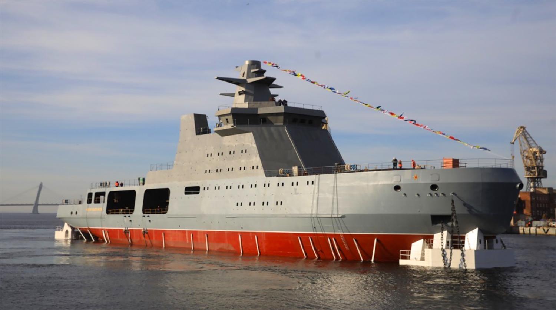 В Петербурге произошел взрыв на корабле, строящемся для ВМФ России