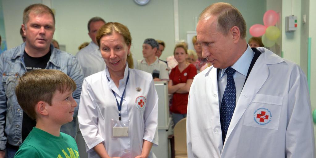 Путин поручил провести массовую бесплатную вакцинацию россиян