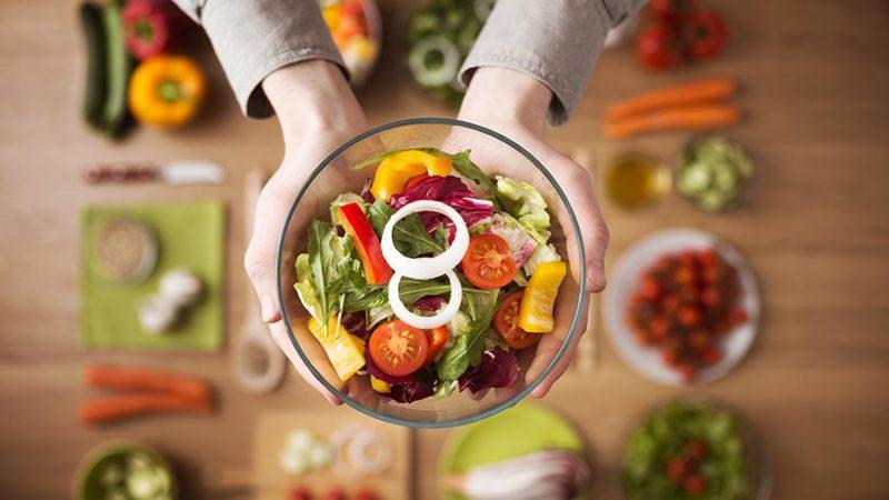 Врач сравнила продолжительность жизни вегетарианцев и мясоедов