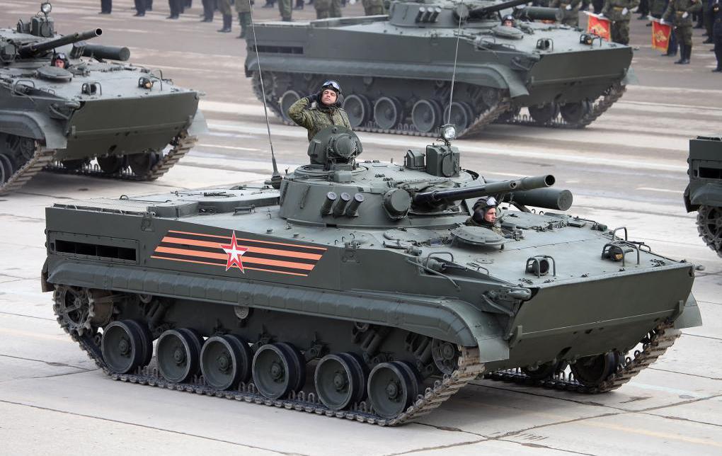 Щит и луч: боевые машины пехоты получат новую защиту и мощный лазер