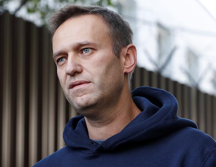 Жив благодаря русским врачам: немцы остепенили   сторонников Навального, ругавших омских медиков