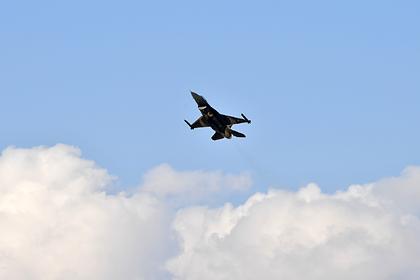 Армения заявила о сбитом турецким F-16 штурмовике Су-25