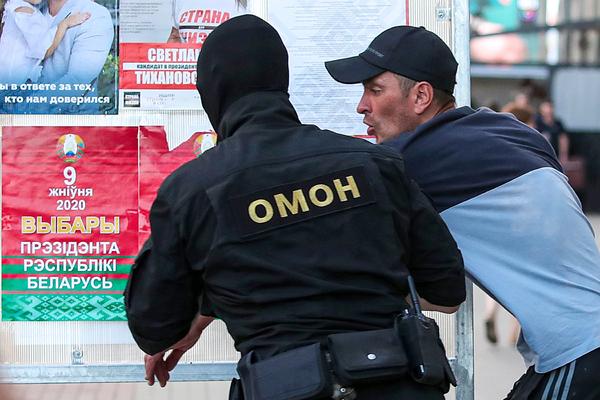 В центре Минска опять неспокойно: силовики против митингующих