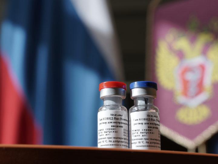 В Кремле рассказали о поэтапной вакцинации от коронавируса