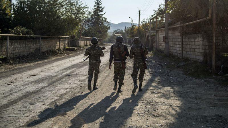 В Карабахе пропали около сотни армянских военных
