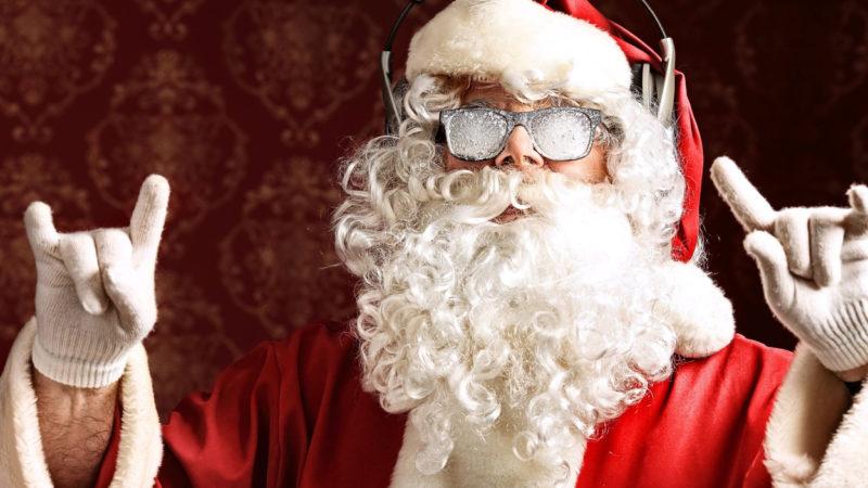 Эпидемиолог предупредил об опасности бороды Деда Мороза во время пандемии