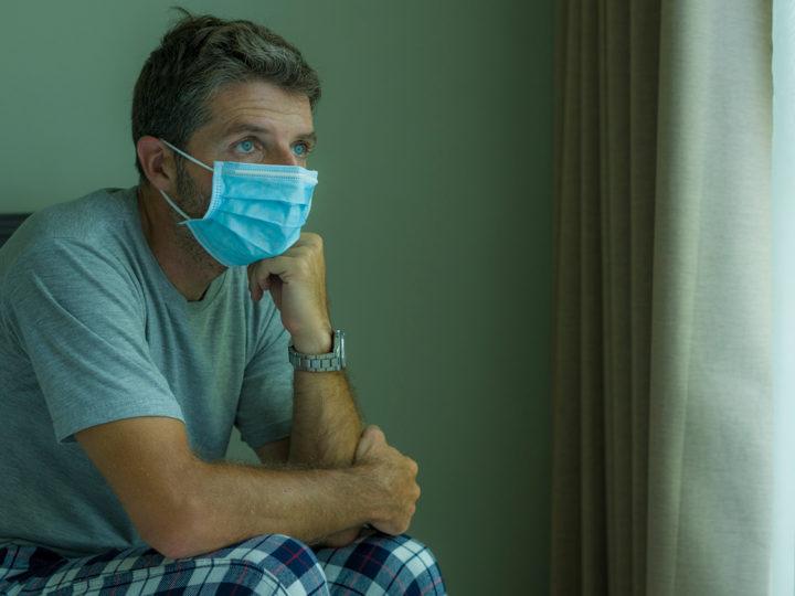 Россиян призвали носить маски после вакцинации от коронавируса