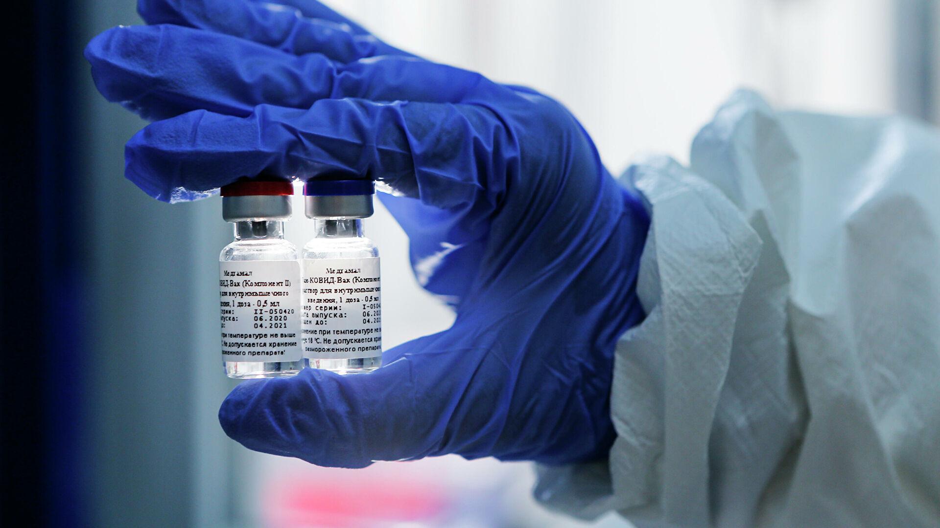 Массовая вакцинация от коронавируса начнется в России на следующей неделе