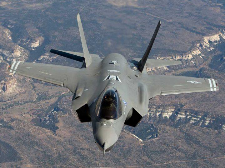 Новые истребители США признали непригодными для войны