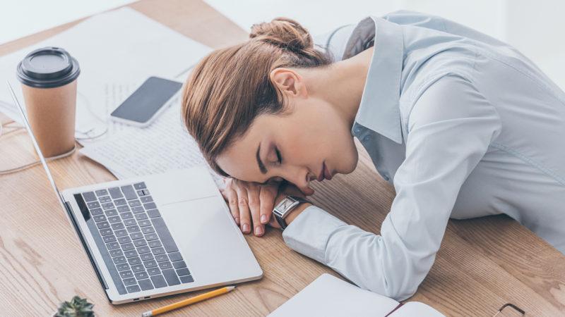 Психиатр назвал способы вернуться к работе после праздников