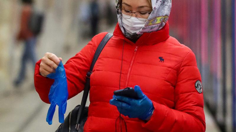 В Совфеде поддержали идею пособия на маски и перчатки для пенсионеров