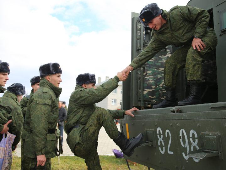 Весенний призыв в армию в России начнется 1 апреля